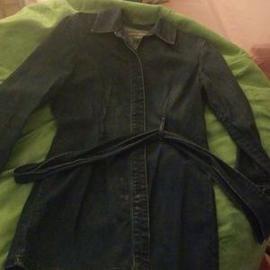 Women's Jean (length to your bottom) jacket.